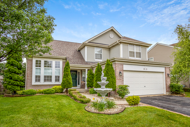 Photo for 3031 Melbourne Lane, Lake In The Hills, IL 60156 (MLS # 10826374)