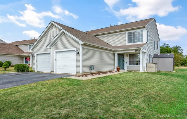 Photo for 2914 Impressions Drive, Lake In The Hills, IL 60156 (MLS # 10836551)