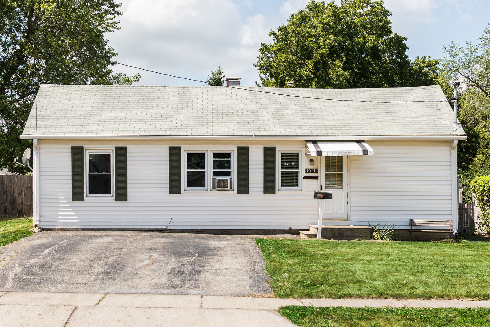 Photo for 1017 Townsend Street, Sycamore, IL 60178 (MLS # 10839248)