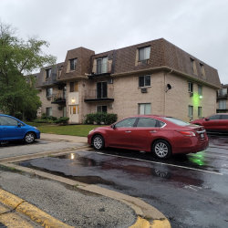 Photo of 234 Shorewood Drive, Unit Number 1B, Glendale Heights, IL 60139 (MLS # 10851929)