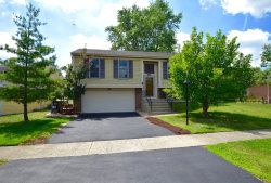 Photo of 510 Waterbury Lane, Roselle, IL 60172 (MLS # 10853116)