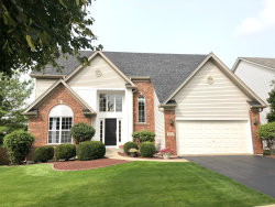 Photo of 482 Parkwood Circle, South Elgin, IL 60177 (MLS # 10859240)