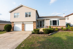 Photo of 28 Brian Drive, Glendale Heights, IL 60139 (MLS # 10861458)