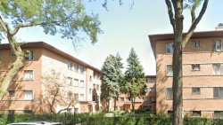 Photo of 7351 N Ridge Boulevard, Unit Number GB, Chicago, IL 60645 (MLS # 10862077)