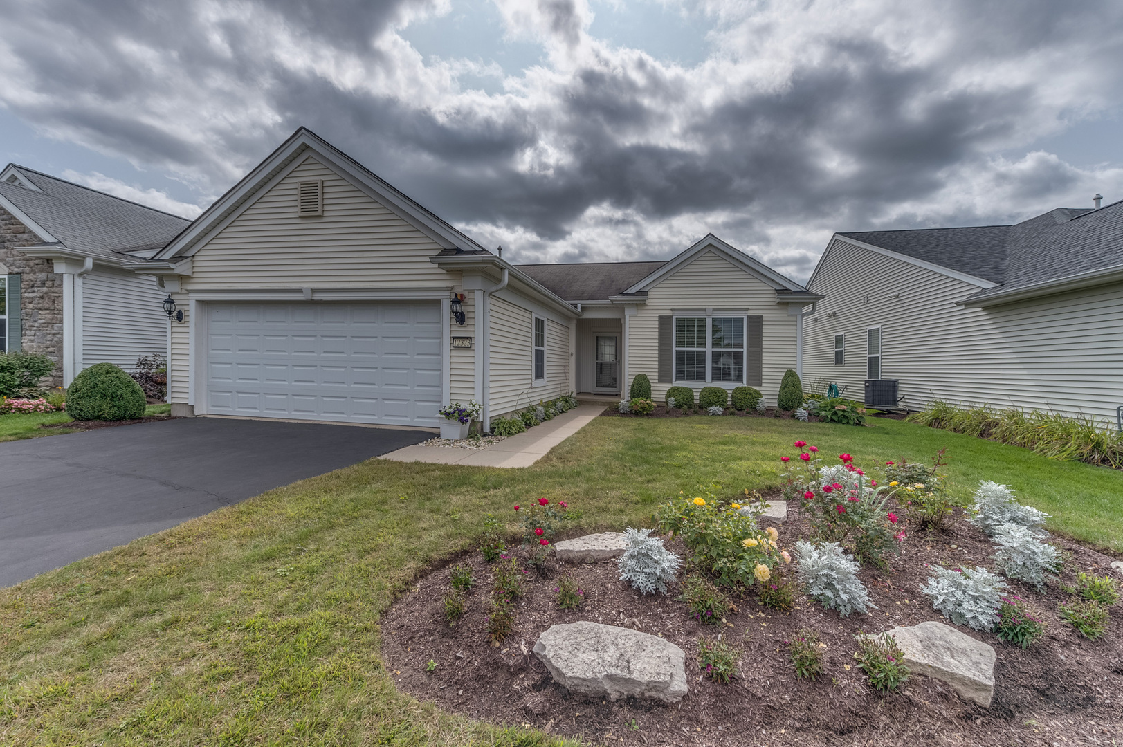 Photo for 12323 Scarlet Drive, Huntley, IL 60142 (MLS # 10876654)