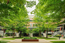 Photo of 1038 W Monroe Street, Unit Number 35, Chicago, IL 60607 (MLS # 10878038)