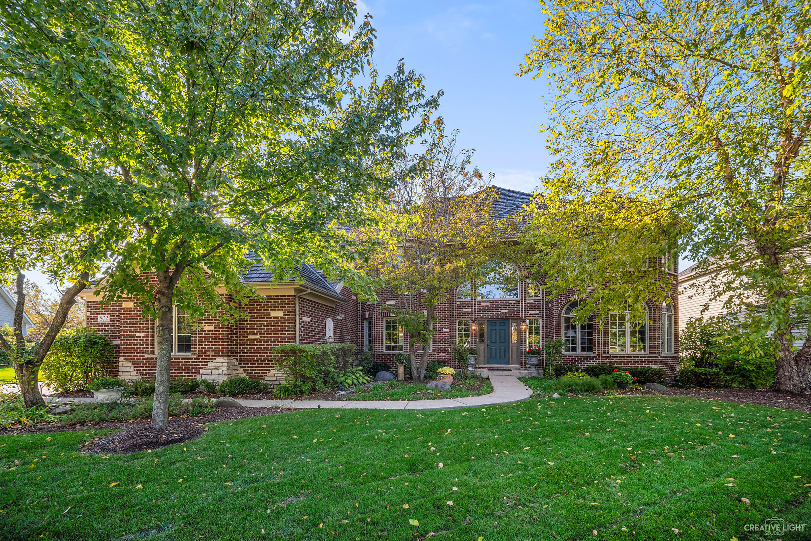 Photo for 802 Waters Edge Drive, South Elgin, IL 60177 (MLS # 10879374)