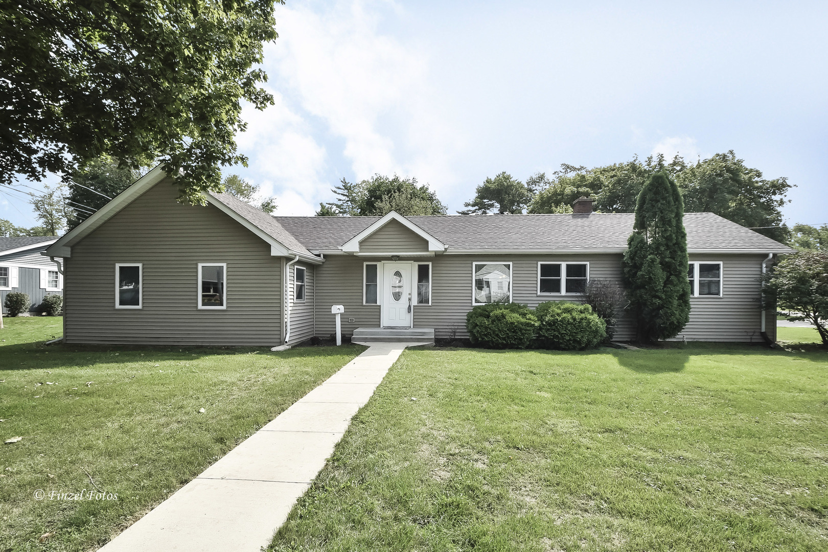 Photo for 199 College Street, Crystal Lake, IL 60014 (MLS # 10883308)