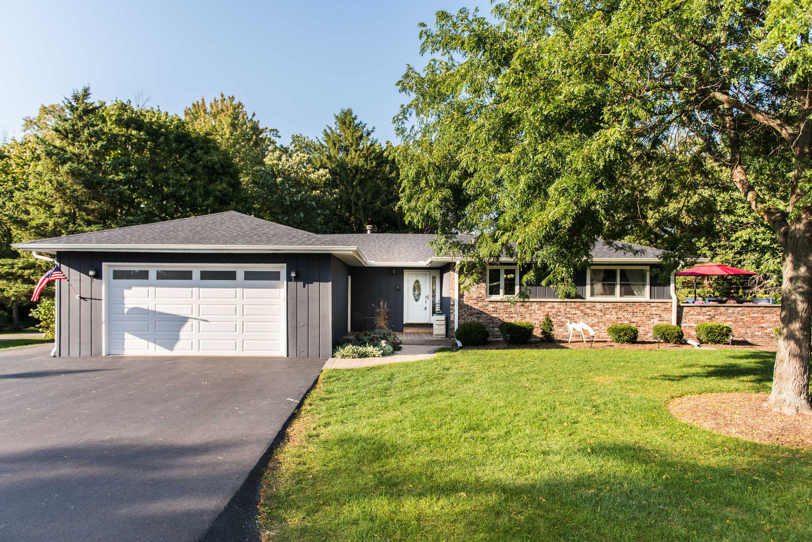 Photo for 339 Dunkery Drive, Sycamore, IL 60178 (MLS # 10883889)