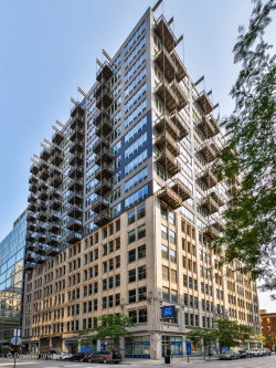 Photo of 565 W Quincy Street, Unit Number 718, Chicago, IL 60661 (MLS # 10886280)