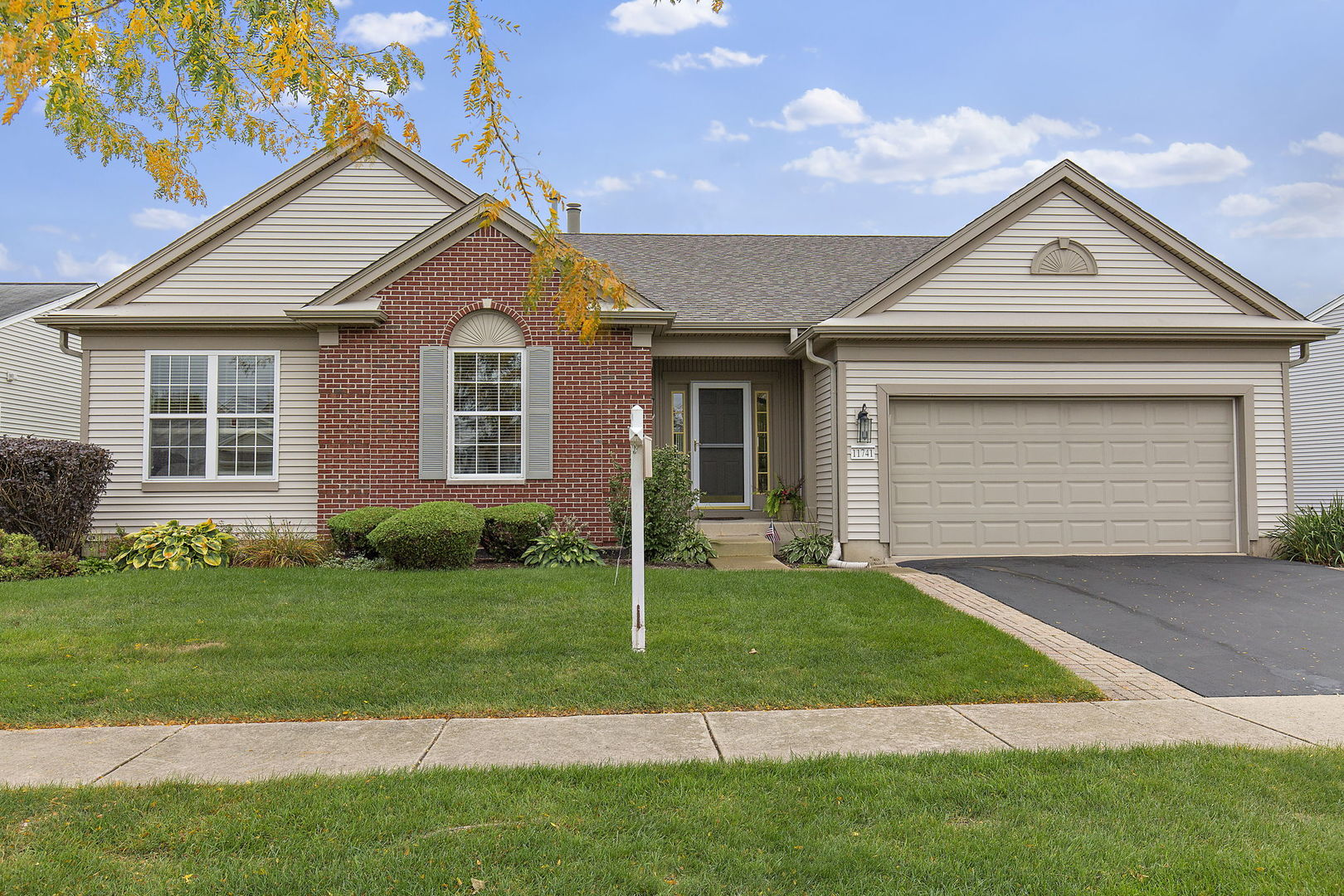 Photo for 11741 Nottingham Drive, Huntley, IL 60142 (MLS # 10886864)