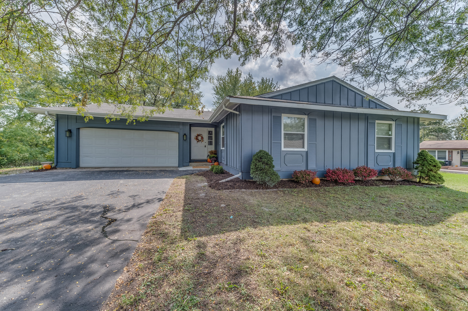 Photo for 1701 South Street, Crystal Lake, IL 60014 (MLS # 10892519)