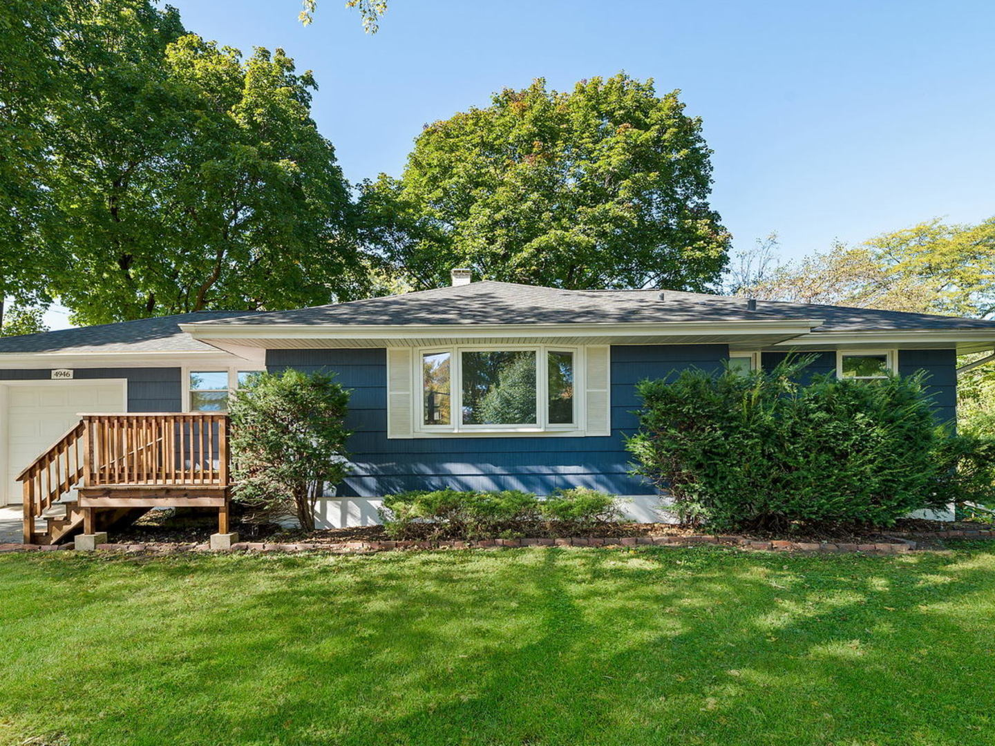 Photo for 4946 Woodward Avenue, Downers Grove, IL 60515 (MLS # 10902247)
