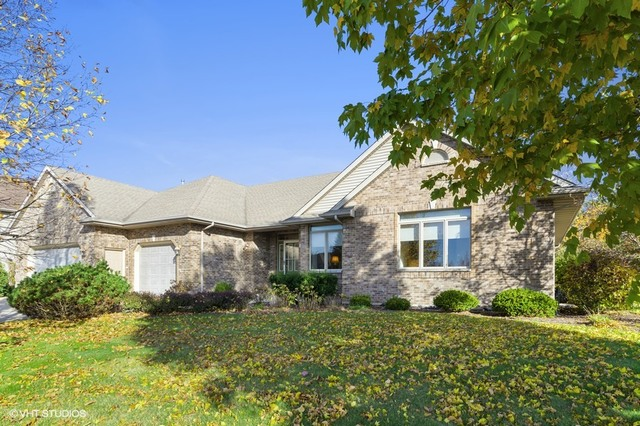 Photo for 629 Independence Avenue, Sycamore, IL 60178 (MLS # 10903505)