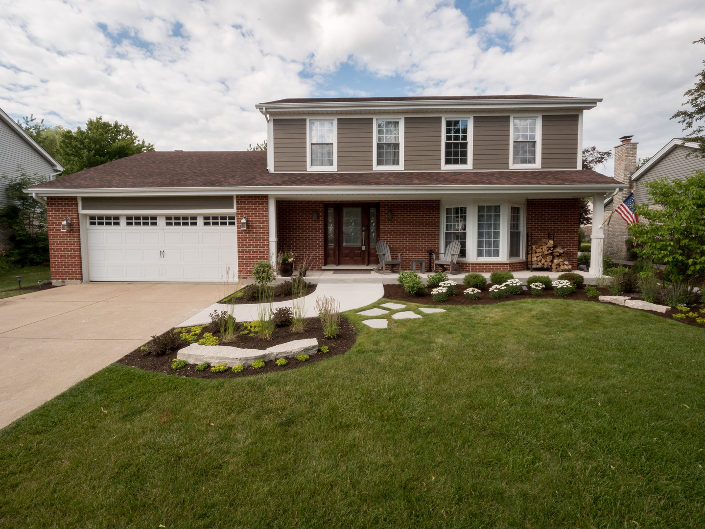 Photo for 20W350 York Lane, Downers Grove, IL 60516 (MLS # 10904115)