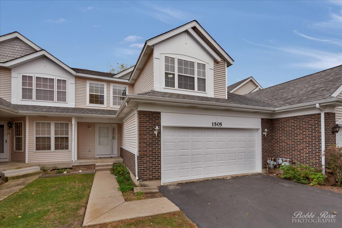 Photo for 1505 Ashley Court, Unit Number 1505, Woodstock, IL 60098 (MLS # 10904397)