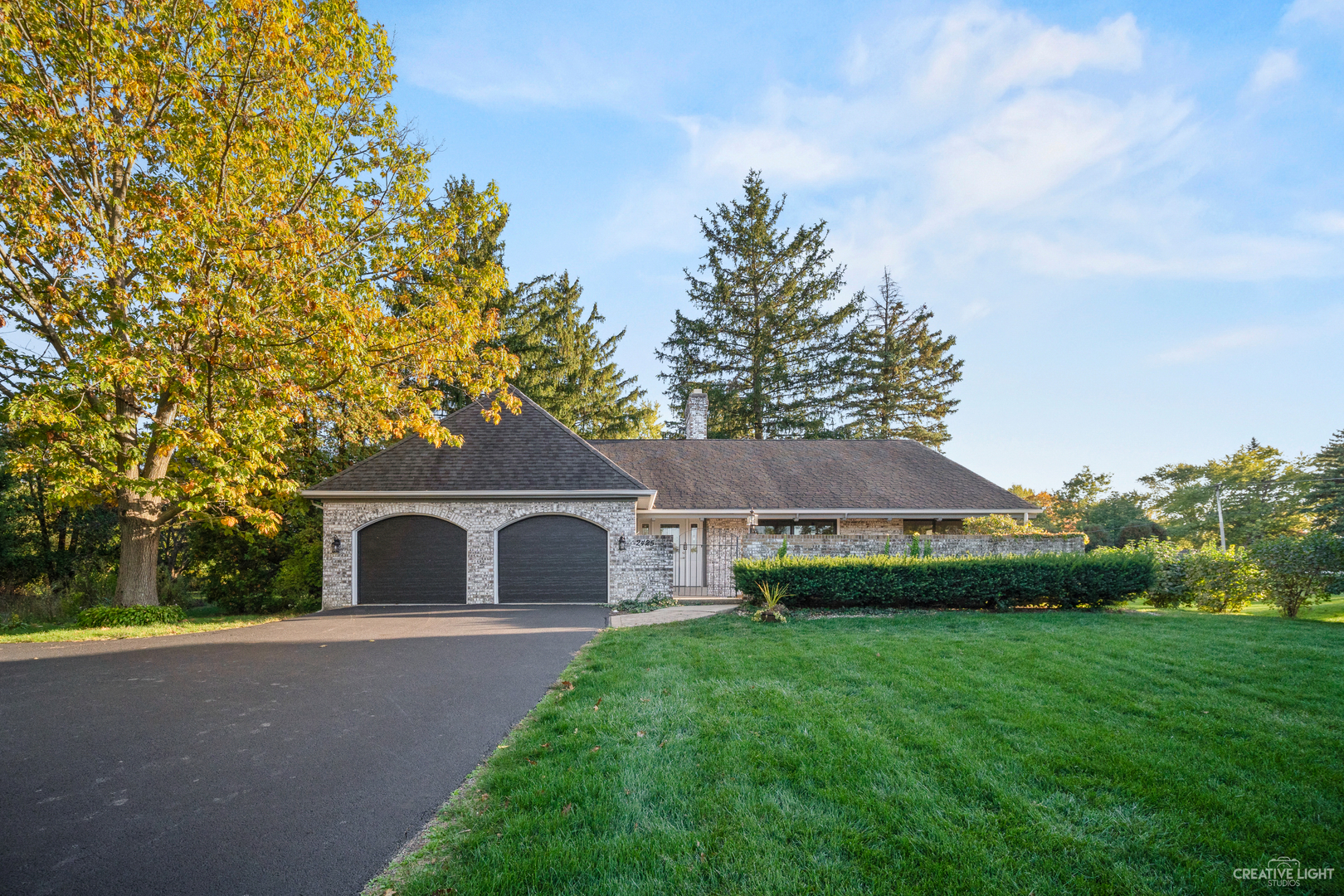 Photo for 2425 Maple Avenue, Downers Grove, IL 60515 (MLS # 10906515)