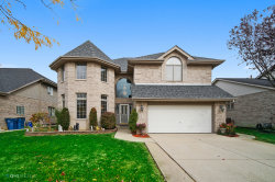 Photo of 810 W Veterans Parkway, Addison, IL 60101 (MLS # 10906531)