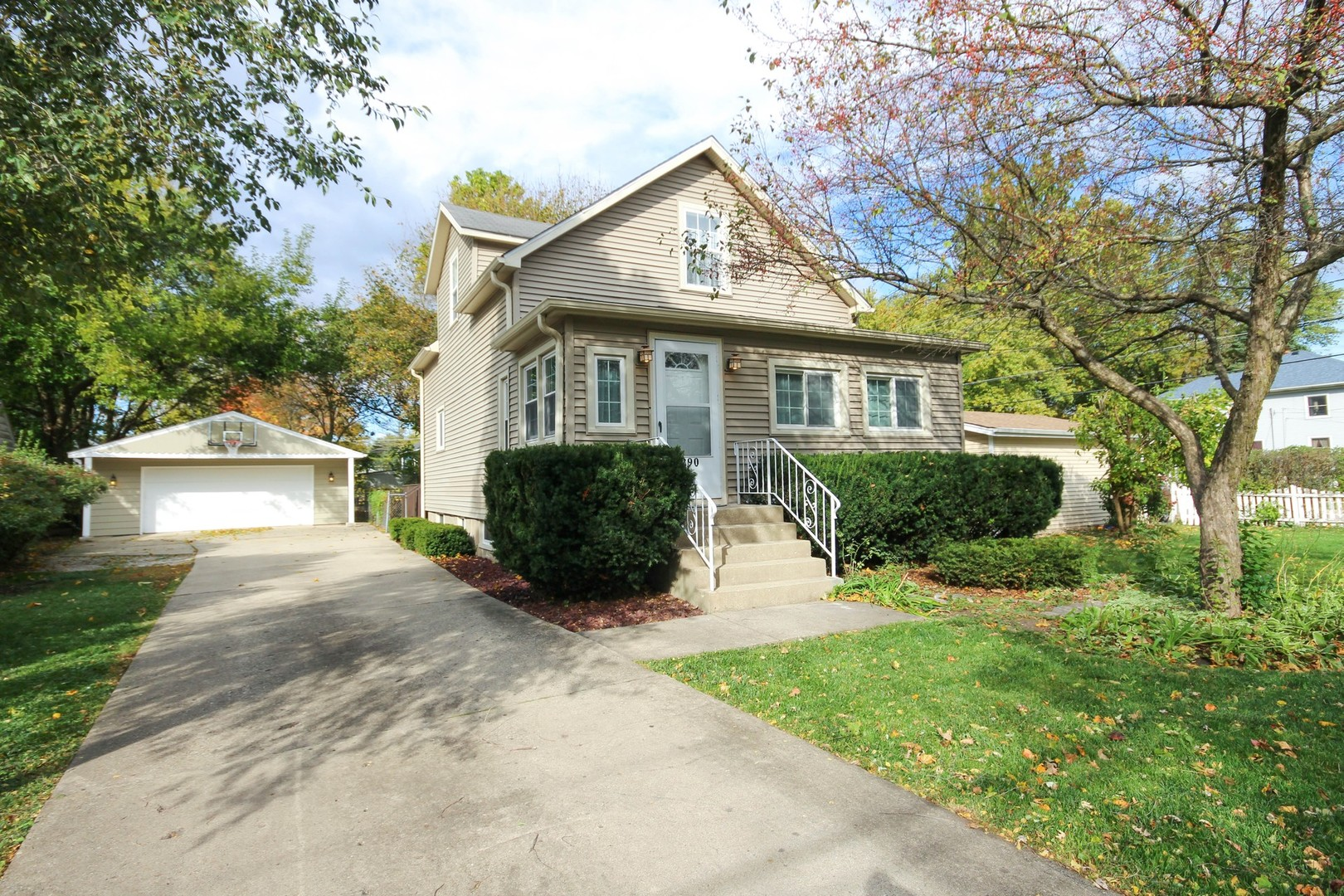 Photo for 290 Heine Avenue, Elgin, IL 60123 (MLS # 10907277)