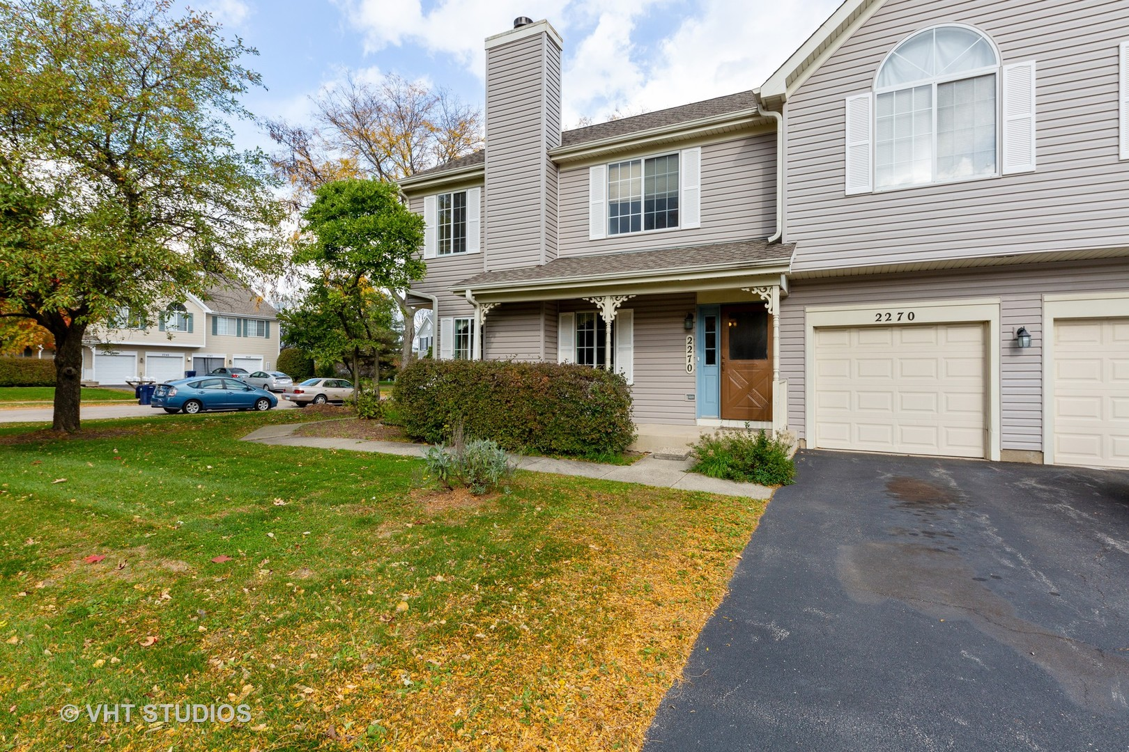 Photo for 2270 Valley Creek Drive, Elgin, IL 60123 (MLS # 10908553)