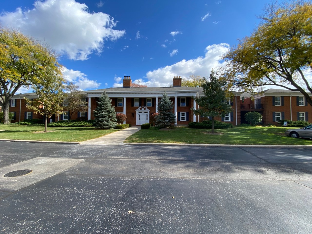 Photo for 511 Coventry Lane, Unit Number 1, Crystal Lake, IL 60014 (MLS # 10910037)