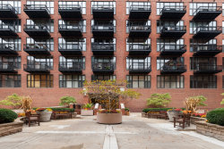 Photo of 333 W Hubbard Street, Unit Number 617, Chicago, IL 60654 (MLS # 10914606)