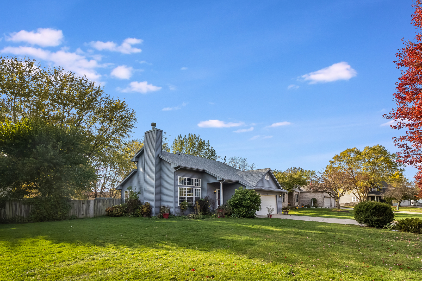 Photo for 841 N Forest Avenue, Batavia, IL 60510 (MLS # 10915197)
