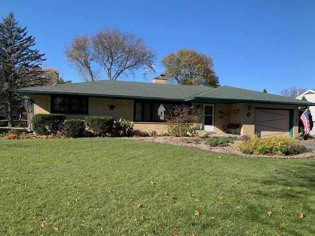 Photo for 168 Peterson Parkway, Crystal Lake, IL 60014 (MLS # 10924720)