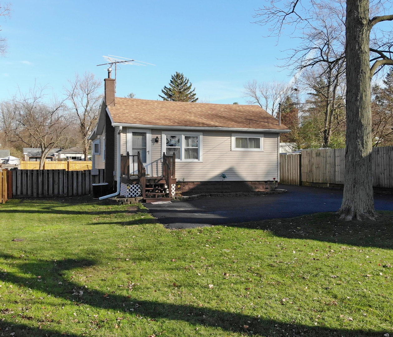 Photo for 5247 Belmont Road, Downers Grove, IL 60515 (MLS # 10932567)