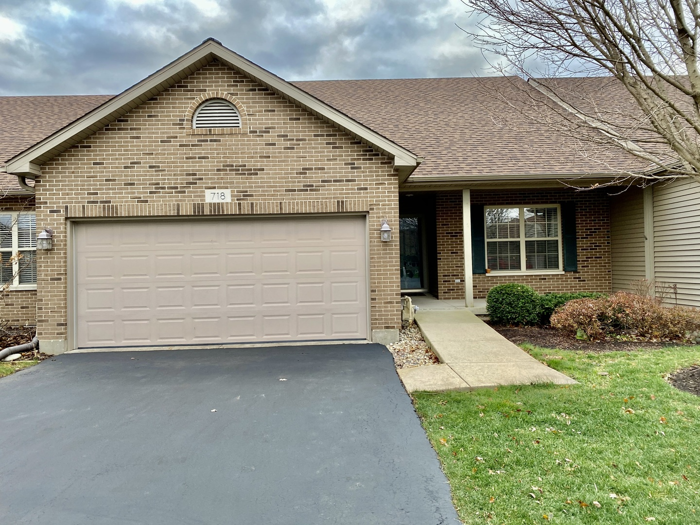 Photo for 718 Bremner Drive, Unit Number 0, Sycamore, IL 60178 (MLS # 10934239)