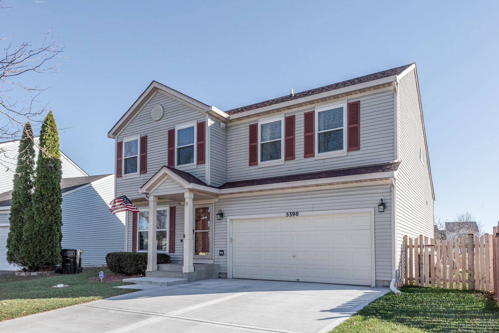 Photo for 5390 Lansbury Circle, Lake In The Hills, IL 60156 (MLS # 10937115)