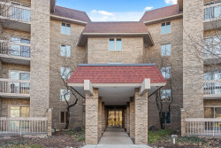 Photo of 1280 Rudolph Road, Unit Number 5K, Northbrook, IL 60062 (MLS # 10937445)