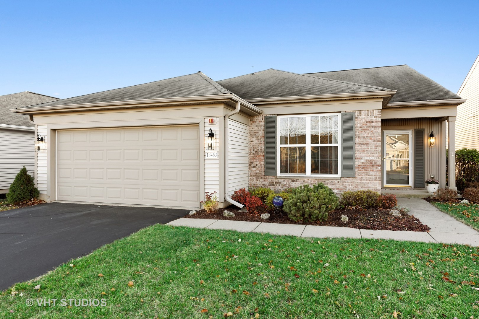 Photo for 13463 Grainery Lane, Huntley, IL 60142 (MLS # 10937481)