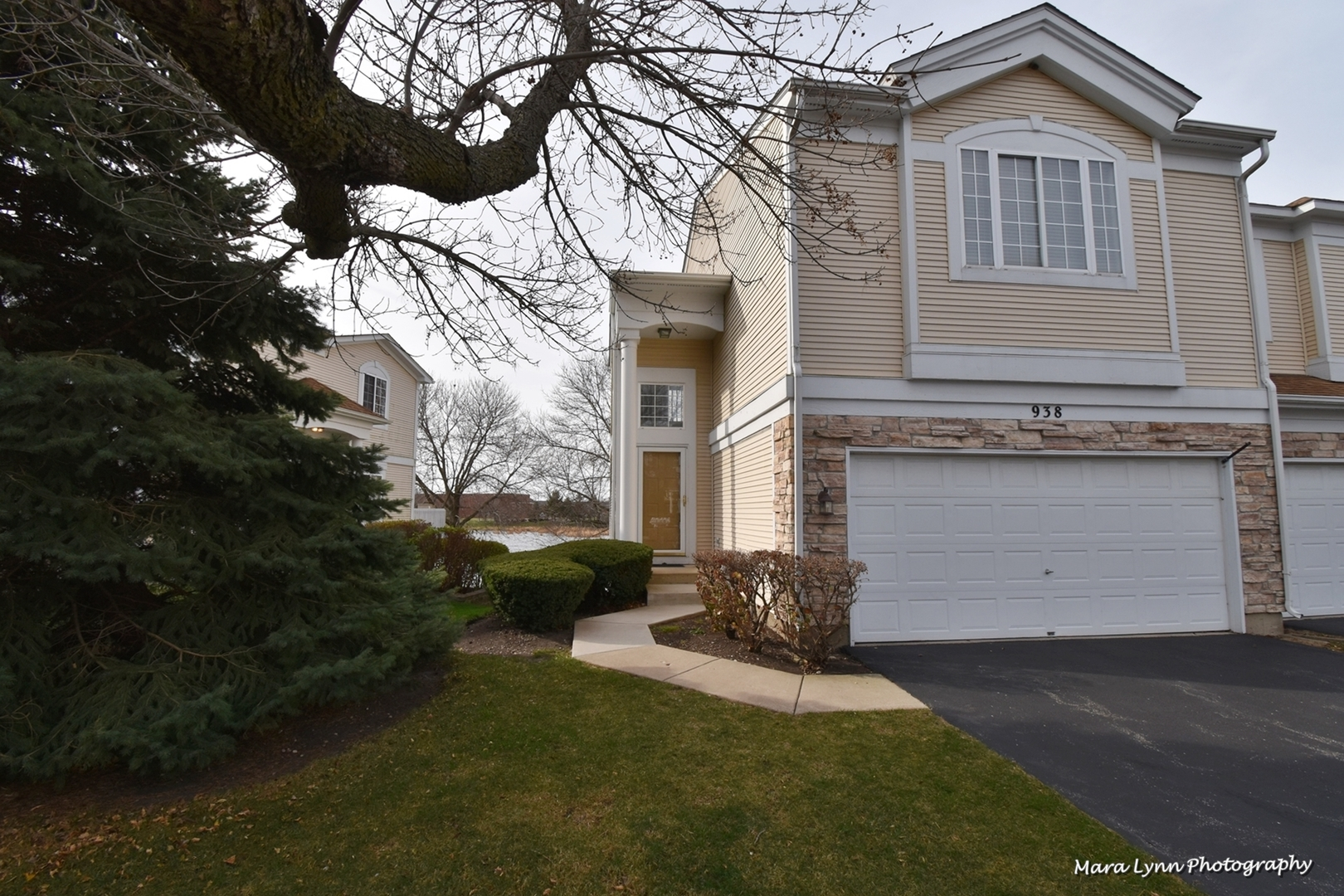 Photo for 938 Mesa Drive, Elgin, IL 60123 (MLS # 10937984)