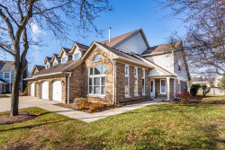 Photo of 180 Willow Parkway, Buffalo Grove, IL 60089 (MLS # 10943114)