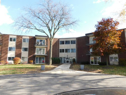 Photo of 2800 Maple Avenue, Unit Number 32A, Downers Grove, IL 60515 (MLS # 10943969)