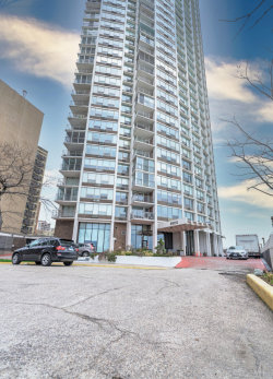 Photo of 6101 N Sheridan Road, Unit Number 4B, Chicago, IL 60660 (MLS # 10944744)