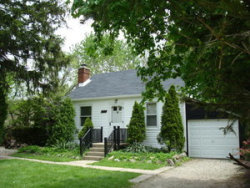 Photo of 9127 N Western Avenue, DES PLAINES, IL 60016 (MLS # 09885829)