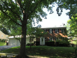 Photo of 1 GROVEPOINT CT, Potomac, MD 20854 (MLS # MC10037756)