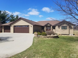 Photo of 1106 Fox Run Drive, Oskaloosa, IA 52577 (MLS # 5359841)
