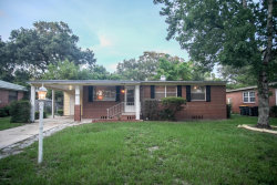 Photo of 1743 Shadowood LN, JACKSONVILLE, FL 32207 (MLS # 897311)
