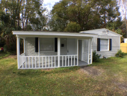 Photo of 3908 Cottonwood LN, JACKSONVILLE, FL 32207 (MLS # 913626)