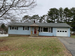 Photo of 15 Skyview Dr, Pittsfield, MA 01201 (MLS # 229318)