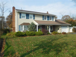 Photo of 7 Weiss Drive, Middlesex Boro, NJ 08846 (MLS # 1911555)