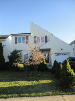 Photo of 34 Senna Drive, Sayreville, NJ 08859 (MLS # 1921071)