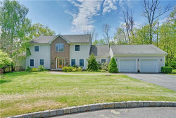 Photo of 9 Nuthatch Court, Allamuchy, NJ 07840 (MLS # 1923091)