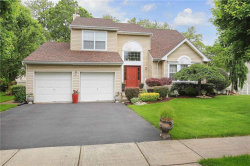 Photo of 10 Forsythia Drive, Edison, NJ 08837 (MLS # 1924298)