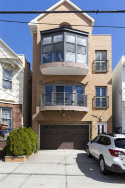 Photo of 820 PAVONIA AVE, Unit 3, Jersey City, NJ 07306 (MLS # 190007794)