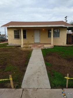 Photo of 692 WENSLEY AVE, El Centro, CA 92243 (MLS # 17298042IC)